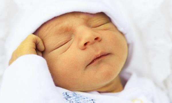 مشاهده علائم و روش های درمان زردی نوزاد